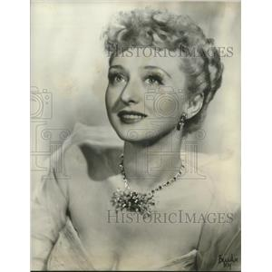 """Press Photo actress Celeste Holm to star in """"Four's A Family"""" - lrz00358"""