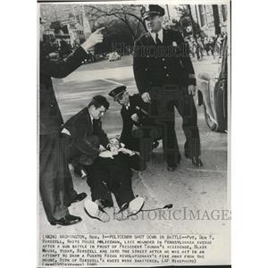 1950 Press Photo Don Birdzell Pennsylvania ave Police - RRX89825