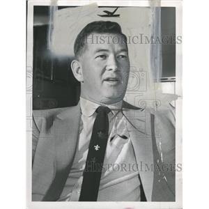 1954 Press Photo Hugh Daugherty - RRQ00857