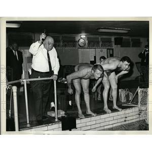 1963 Press Photo Clark Leach Swimming Coach - RRQ01941