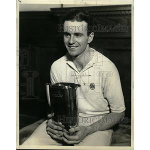 1932 Press Photo Gregory S Maugin Sportsman Hand Jug - RRQ02979