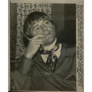 1969 Press Photo Ken Harrelson Ponders Baseball Commiss - RRQ03305