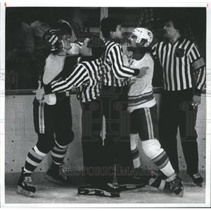 1983 Press Photo Ice Hockey Colorado Flames - RRQ03545