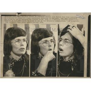 1974 Press Photo Billie Jean King News Conference - RRQ05477