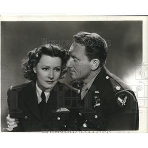 """1944 Press Photo Spencer Tracy and Irene Dunne in """"A Guy Named Joe"""" - lrz00890"""