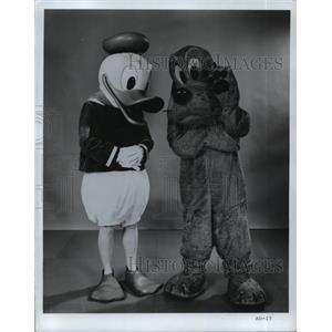 1971 Press Photo Donald Duck and Pluto Walt Disney characters. - mjp11406