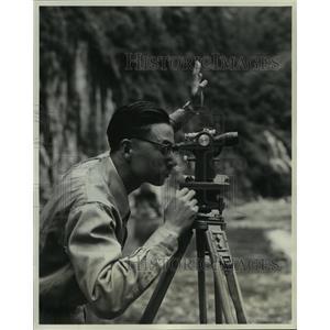 1961 Press Photo Surveyor at Taiwan's Shihmen Development - now00258