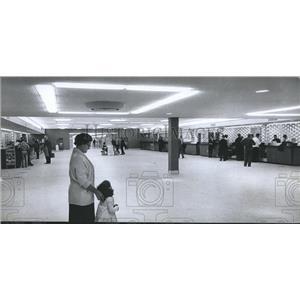 1962 Press Photo Lobby at terminal at Birmingham airport - abna25492