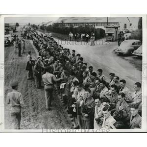 1941 Press Photo British Aviation Cadets arrive at Southeast Training Center