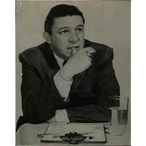 1957 Press Photo Myron Leon Mike Wallace Journalist