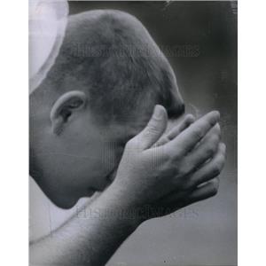 1959 Press Photo Steve Miller Bear Watch