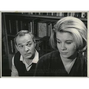 1964 Press Photo James Daly Davey Davison Nurses CBS