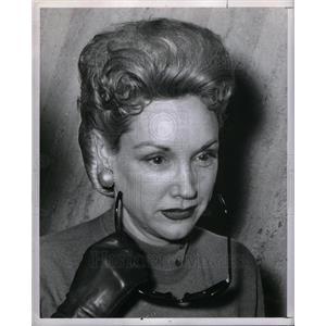 1960 Press Photo Mrs Nelli Janeth