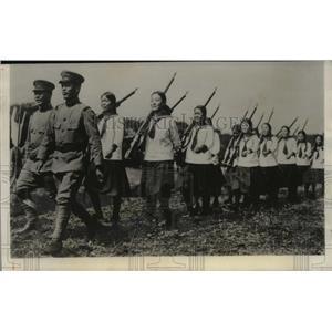 1932 Press Photo 3,000 Students of Tokyo Japan visited Barracks of 3rd Infantry