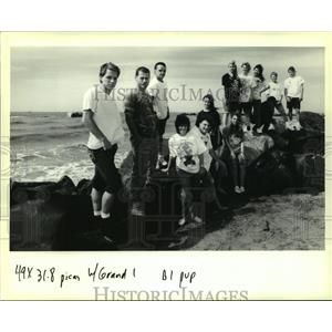 Press Photo Members of the Grand Isle Class of 1990 - nob25249