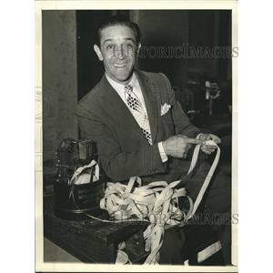 1941 Press Photo George Price who quit show business fro the stock market