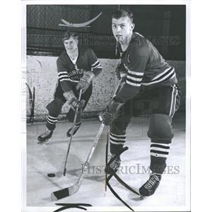 1967 Press Photo Dave Roberts Mark Eves Benton Hockey - RRQ39369