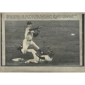 1970 Press Photo Chicago Cubs Paul Popovidh Knee Fuente - RRQ50235