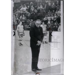 1971 Press Photo Detroit Red Wings Sid Abel Ovation - RRQ43577