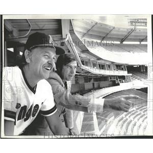 1974 Press Photo Dick Williams California Angels Harry Dalton Charlie Finley