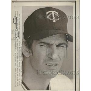 1975 Press Photo Twins Manager Quilici Watches Practice - RRQ37413