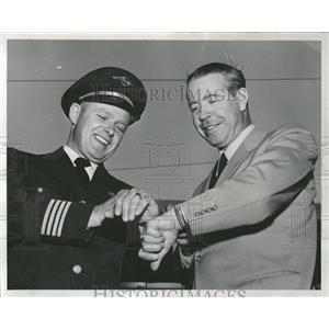 1955 Press Photo Lou Fageol & Capt. E. K. Nelson - RRQ65715
