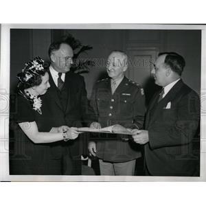 1945 Press Photo General Thomas Terry No Strike Pledge - RRW77279