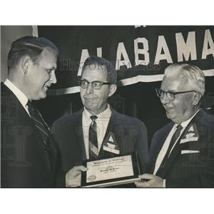 1964 Press Photo Mortimer Jordan, Ernie Gaston honored by Gilbert Carpenter