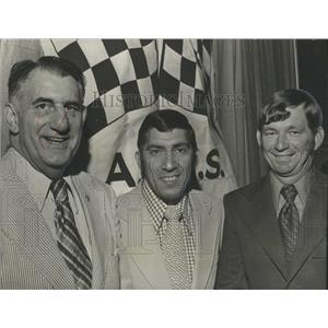 1973 Press Photo Car Racing's Fred Sington, Don Naman, Donnie Allison At Dinner