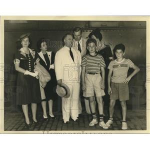 1940 Press Photo W. Prescott Foster and family of Louisiana - nox21081