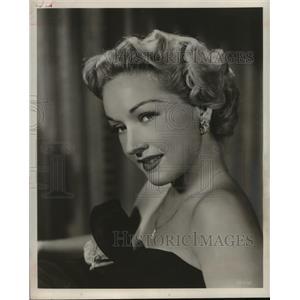 1954 Press Photo actress Bonita Granville posing for the camera - mjp14533