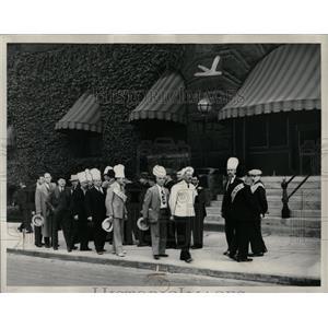1937 Press Photo Detroit Restaurant Workers Strike - RRW86767