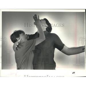 1989 Press Photo Self defense instructor Janelle Block demonstration, Wisconsin