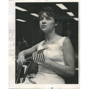 1962 Press Photo Chicago Federal Savings American flag - RRW50021