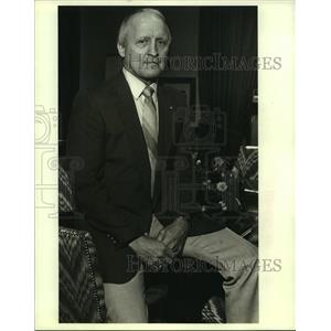 1988 Press Photo C.W. Hewgley, former assistant coach for New Orleans Saints