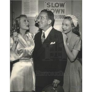 """1949 Press Photo Actors in """"My Friend Irma"""" Jack Mulhall and Marie Wilson"""