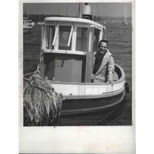 1961 Press Photo Actor Garry Moore in his tugboat