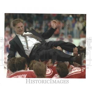 1992 Press Photo Viktor Tikhonov, coach of Unified Team, Olympics - mjp26996