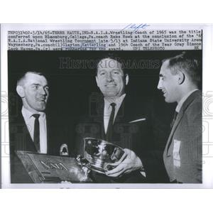 1965 Press Photo NAIA Wrestling Coach of the Year Russ Howk Bloomburg College