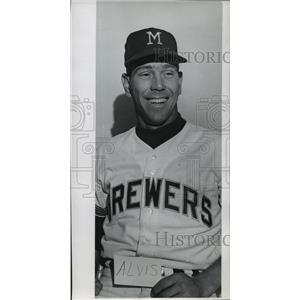 1961 Press Photo Milwaukee Brewers - Max Alvis, Baseball Player - mjt01265