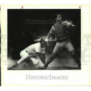 1990 Press Photo San Antonio Missions and El Paso play minor league baseball