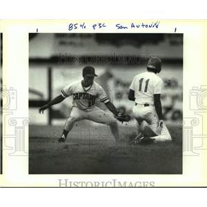 1990 Press Photo The San Antonio Missions and Shreveport play pro baseball