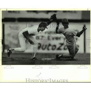 1990 Press Photo San Antonio Missions baseball player Luis Martinez vs. El Paso