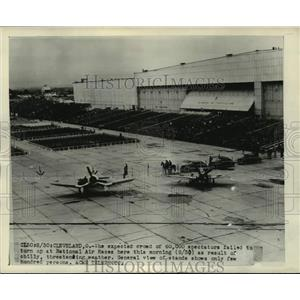 Press Photo National Air Races event in Cleveland gets rained out - lrx01047