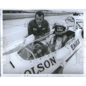 1973 Press Photo Bobby Unser/Auto Racing/Olsonite Eagle/Mechanic Wayne Leary