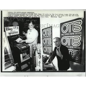 1972 Press Photo Woman New York Lottery Ticket