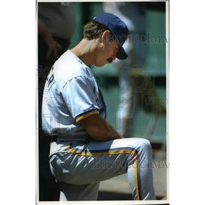 1993 Press Photo Brewers baseball manager Phil Garner looking downcast