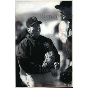 1994 Press Photo Milwaukee baseball lefthander Teddy Higuera now pain-free