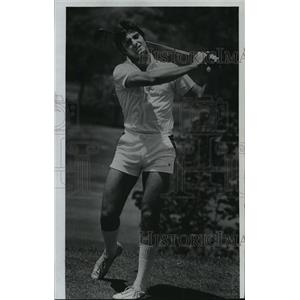 1976 Press Photo Steve Wagner of the Green Bay Packers football team plays golf