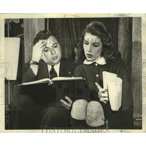 1947 Press Photo Director Ezra Stone and Actress Natalie Thompson - lrx05435